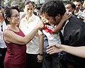 President Gloria Macapagal-Arroyo exchanges pleasantries with the local tourists visiting the Mansion House 02.jpg