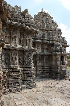 Lakshmi Narasimha Temple, Nuggehalli - Profile of Lakshmi Narasimha temple at Nuggehalli