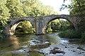 Puente de Villarias sobre el río Nela.jpg