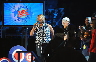"Queen Latifah - Queen Latifah performing at the ""Kids Inaugural: We Are the Future"" concert in 2009"