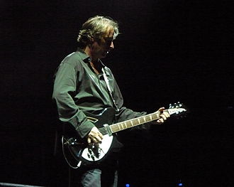 Peter Buck - Buck onstage in Naples, 2008