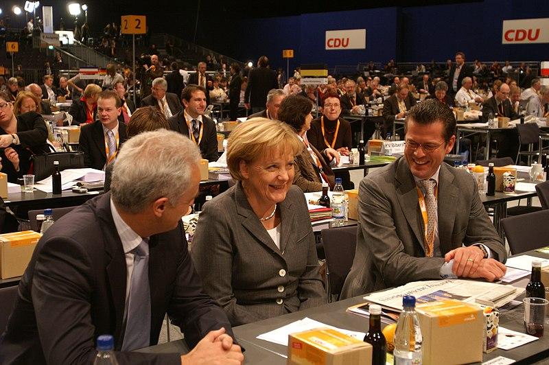File:Ramsauer, Merkel, von und zu Guttenberg.jpg