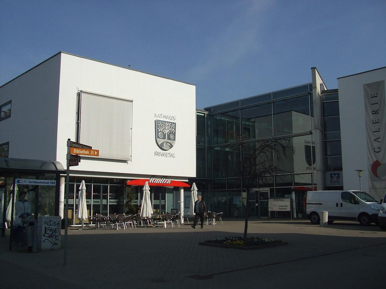 Rathaus Panketal 2010.jpg