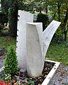 Ravensburg Hauptfriedhof Grabmal Binder 1996.jpg