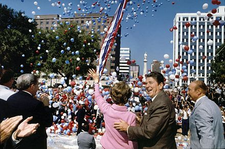 Ronald Reagan campaigning with his wife Nancy and Strom Thurmond in Columbia, South Carolina, October 10, 1980 Reagan 1980 campaign.jpg