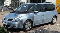 Renault Espace IV 2.0 dCi Facelift front 20100718.jpg