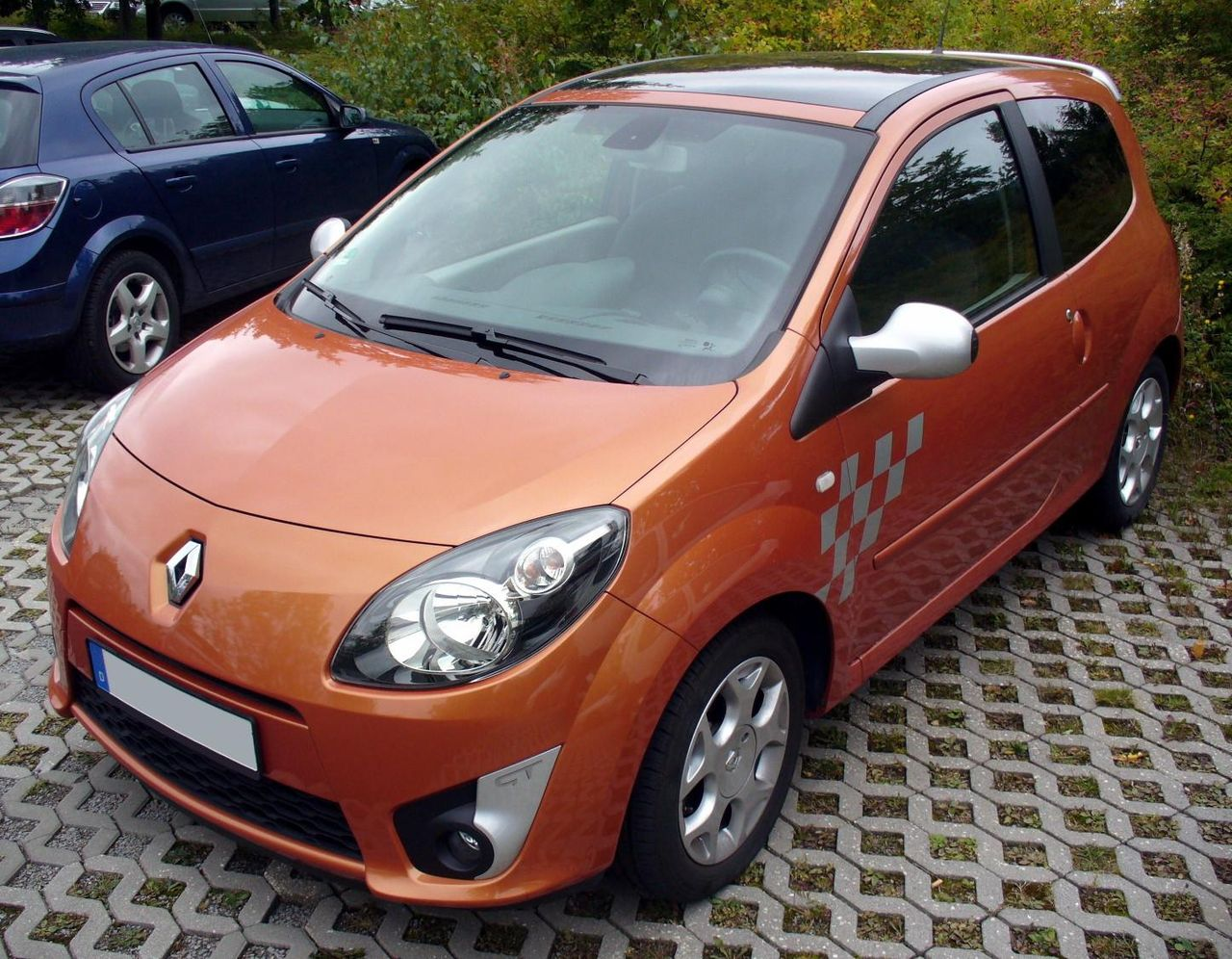file renault twingo ii phase i gt funkenorange jpg wikimedia commons. Black Bedroom Furniture Sets. Home Design Ideas