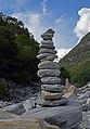 Rock balancing -3 (14727016296).jpg