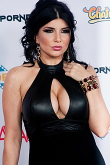 Romi Rain at AVN Adult Entertainment Expo 2016 (26606427701).jpg