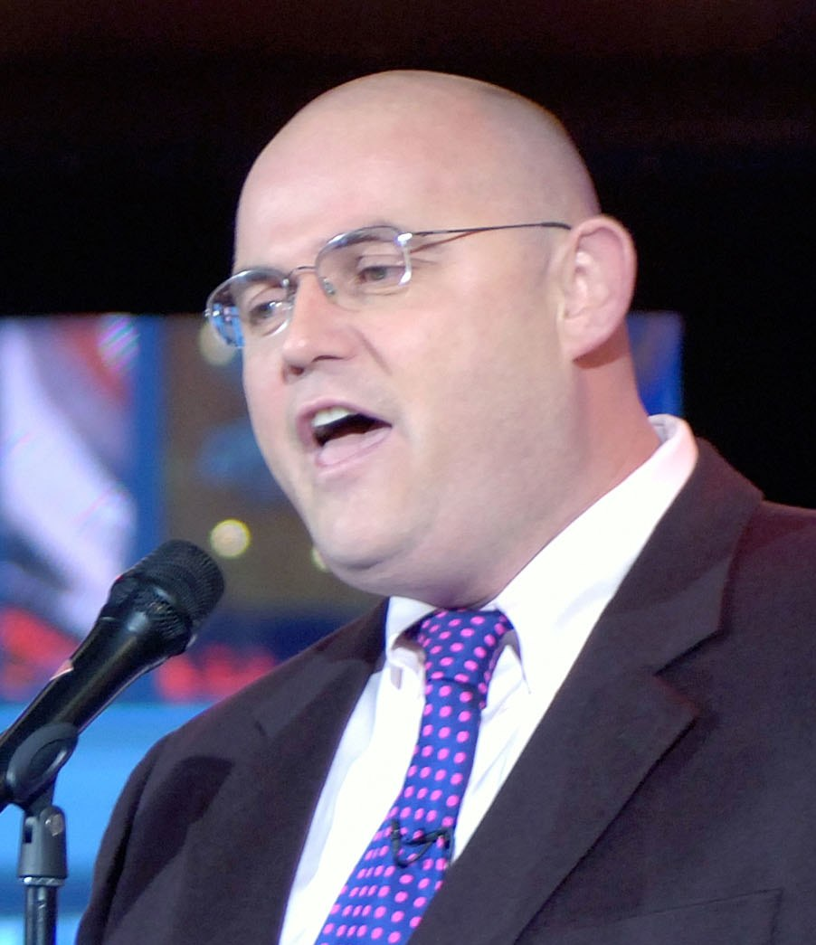 "Ronan Tynan on ""Good Morning America"" Nov 2006 (cropped)"