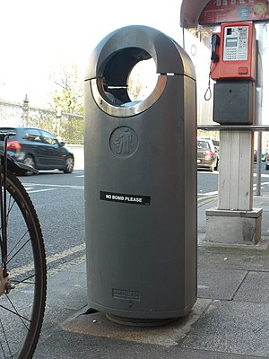 English: Litter bin on Nassau Street in Dublin...