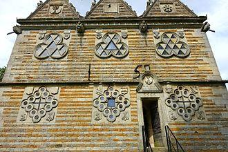 Rushton Triangular Lodge - Symbols and inscriptions on the '15' side