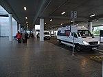 Ruzyně, letiště, terminál 2, minibus k parkingu D.jpg