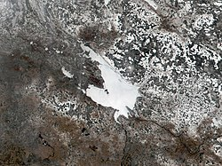 Rybinsk Reservoir NASA Visible Earth April 2002.jpg