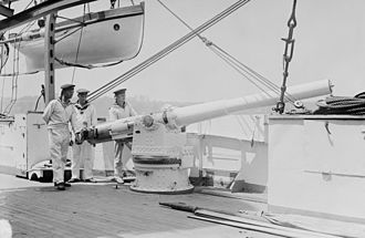 Bremen-class cruiser - 10.5 cm gun, without its gun shield, on board Bremen