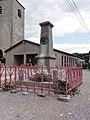 Saint-Aubin (Nord, Fr) monument aux morts.jpg