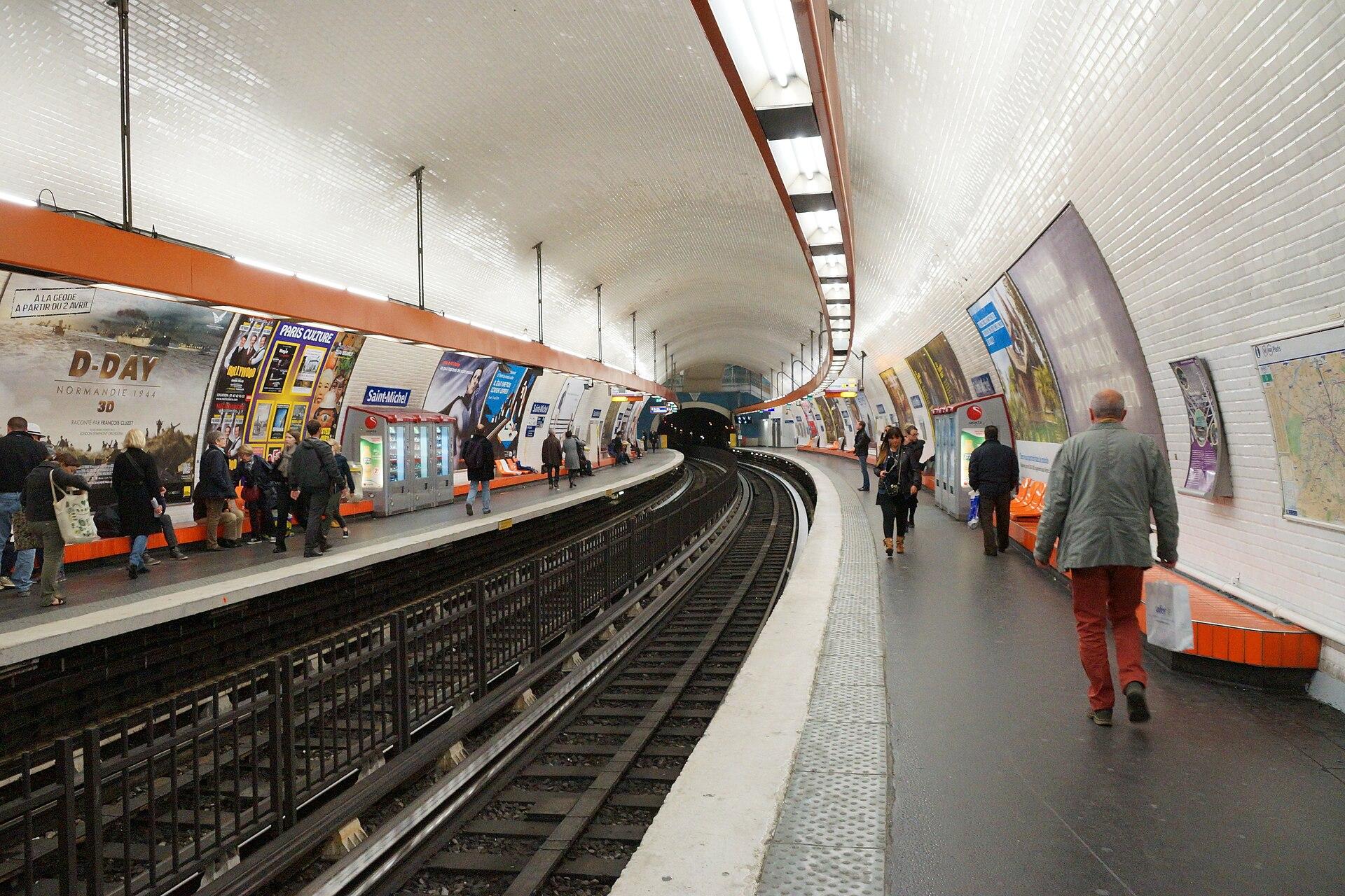 Saint michel m tro paris wikipedia - Metro saint michel paris ...