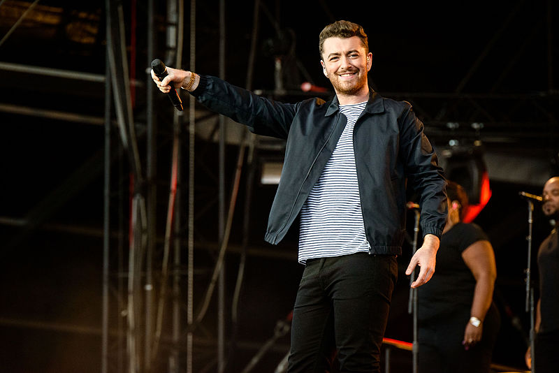 https://commons.wikimedia.org/wiki/File:Sam_Smith_Lollapalooza_2015-4.jpg