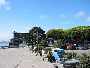 Sausalito's harbor sidewalk