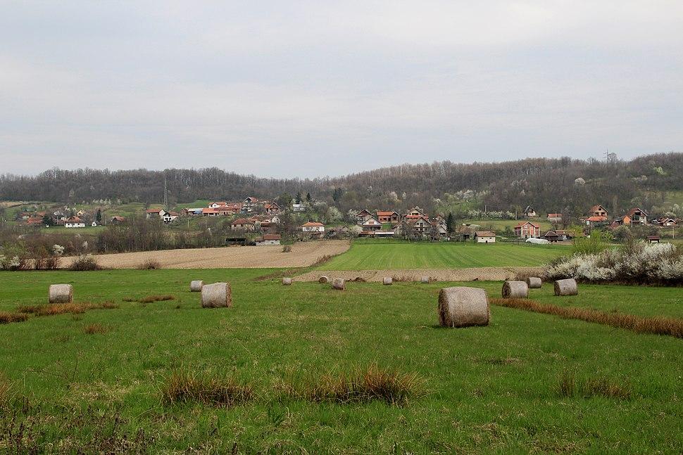 Selo Divci - opština Valjevo - zapadna Srbija - panorama - u pozadini selo Lukavac 1