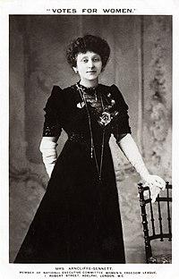 Sennett, Maud Arncliffe-c.1908 (22475303593).jpg
