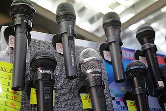 "Counterfeit consumer goods - Knockoff Shure (""Shupu"") microphones"
