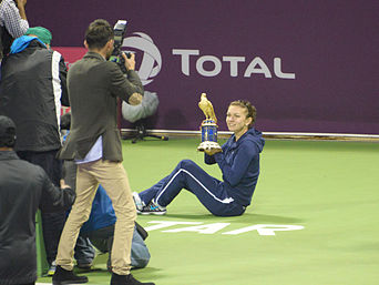 Simona Halep at Qatar Open 2014 Singles Final cropped.jpg