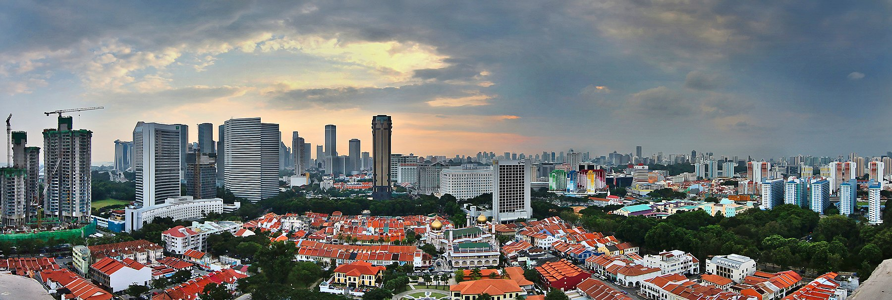 Singapore City skyline at sunset (8124277396).jpg