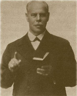 Smith Wigglesworth preaching.jpg
