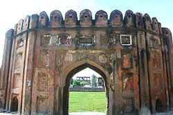 Sonakanda Fort main gate.jpg