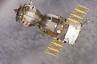 Soyuz TMA-7 spacecraft.jpg