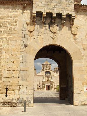 Poblet Monastery - Image: Spain Poblet Monastry Entrance