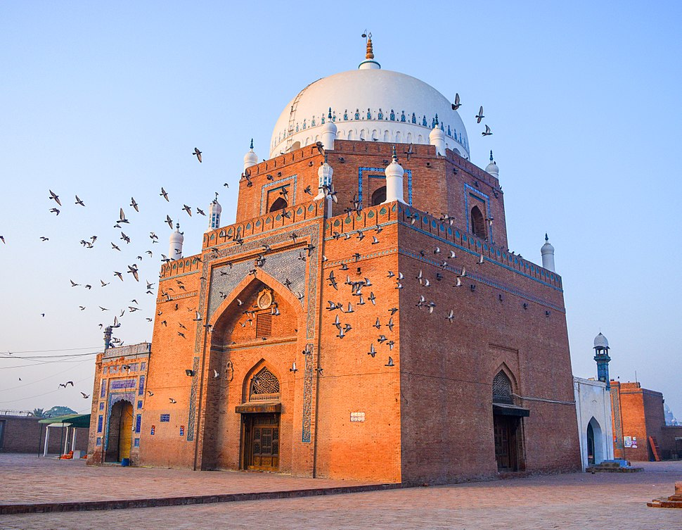 Splendid Shrine of Hazrat Baha-ud-din Zakariya