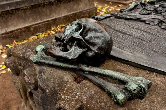 St. Johannes Nürnberg Bronzeguss. 7289.png