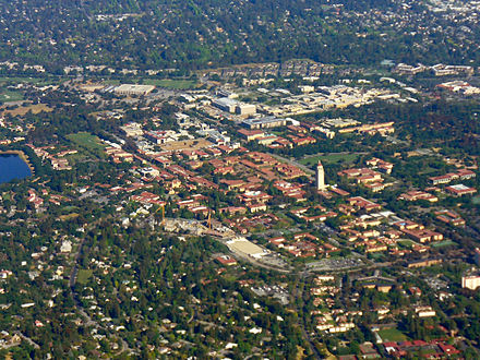 An aerial photograph of the center of the Stanford University campus in 2008. Stanford Campus Aerial Photo.JPG