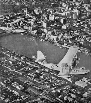Short Rangoon - The lead aircraft of three Rangoons over Brisbane River, 1934