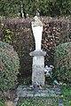 Statue de la Vierge à Magny-les-Hameaux.jpg