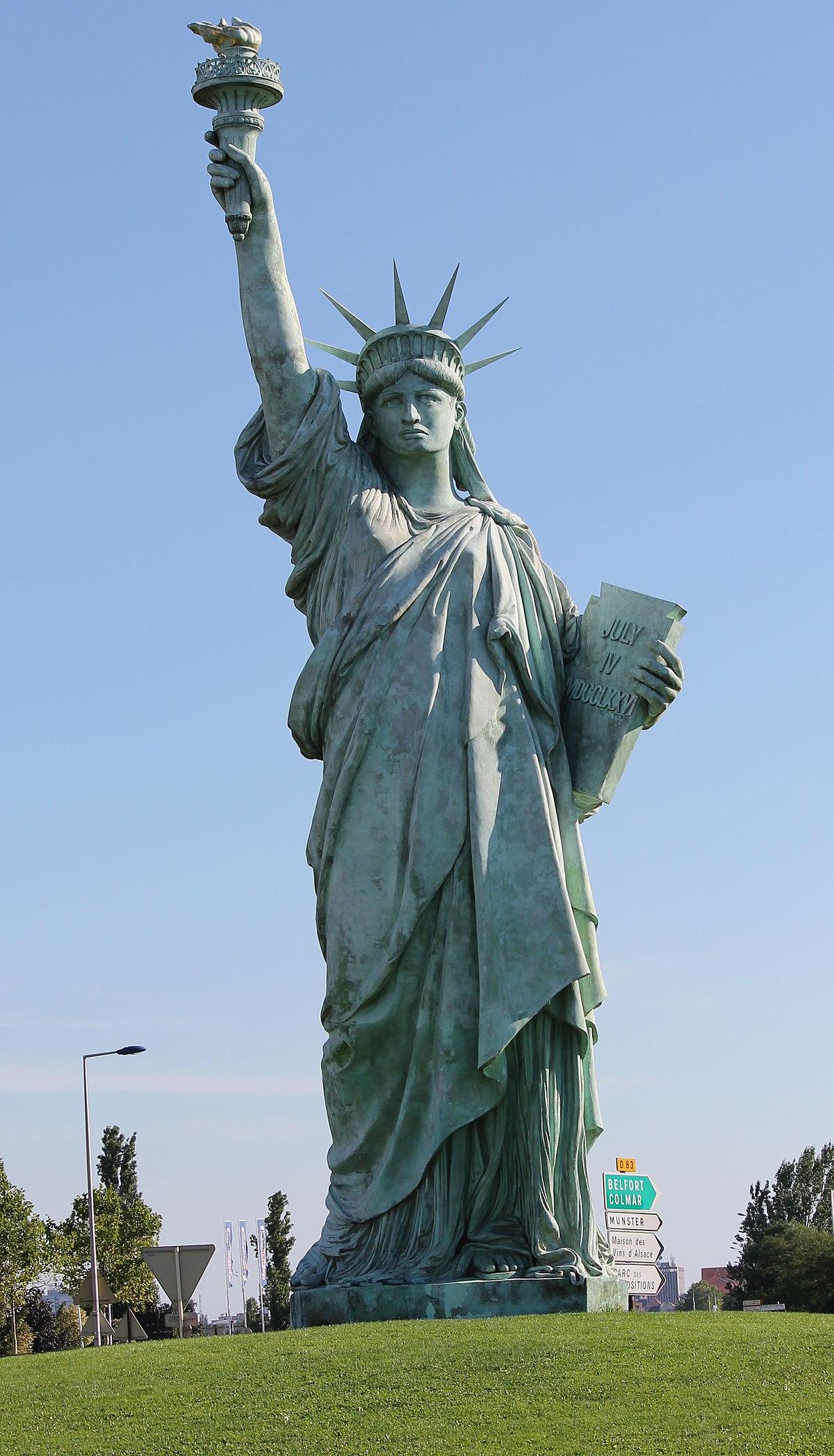 Сколько существует в мире статуй Свободы?