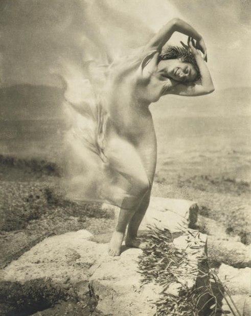 Steichen - wind fire - Thérèse Duncan on the Acropolis, 1921