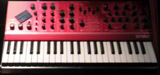 Synton Fenix - Image: Synton Syrinx (red)