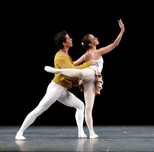 Baletti b l e french on eräänlainen suorituskyvyn tanssi, joka on peräisin aikana italialainen renessanssin 15-luvulla ja myöhemmin.