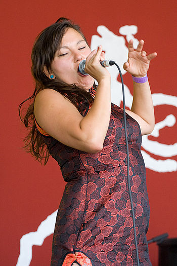 English: Tagaq at the in August 2007 Français ...