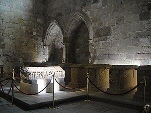 Blanche of Navarre, Queen of Castile - Image: Tapa del sepulcro de la reina Blanca Garcés de Navarra, madre de Alfonso VIII de Castilla, y panteón de infantes del monasterio de Nájera
