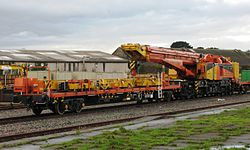 Taunton - Colas DRK81612 with match wagon 97418.jpg