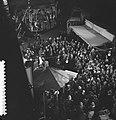 Televisiestuk Drie stuivers opera , Matthieu van Eysden (met draaiorgel), Bestanddeelnr 911-7332.jpg