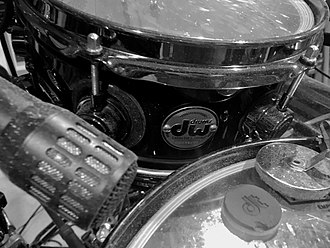 "Thomas Lang - Image: Thomas Lang's 12"" snare and 10"" snare with Audix mic"