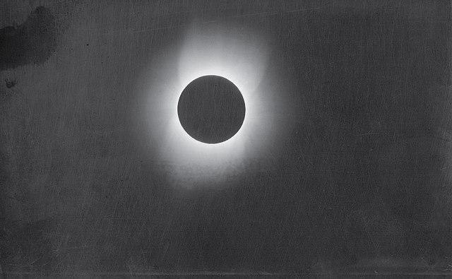 smithsonian solar eclipse - HD1406×867