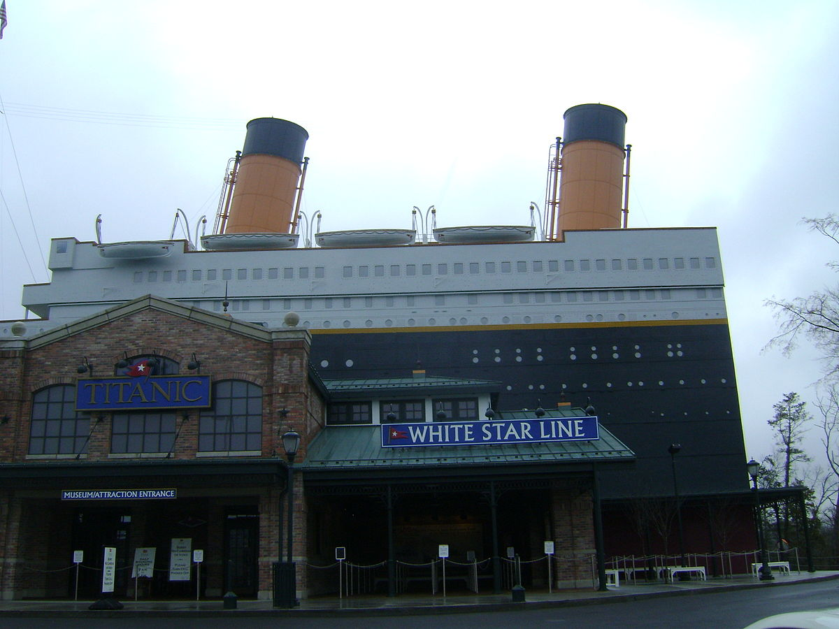 File Titanic Museum Entrance Jpg Wikimedia Commons
