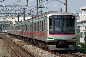 Tōkyū Den-en-toshi Line - Tokyu 5000 series EMU