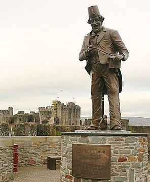 Tommy Cooper by Aberdare Blog